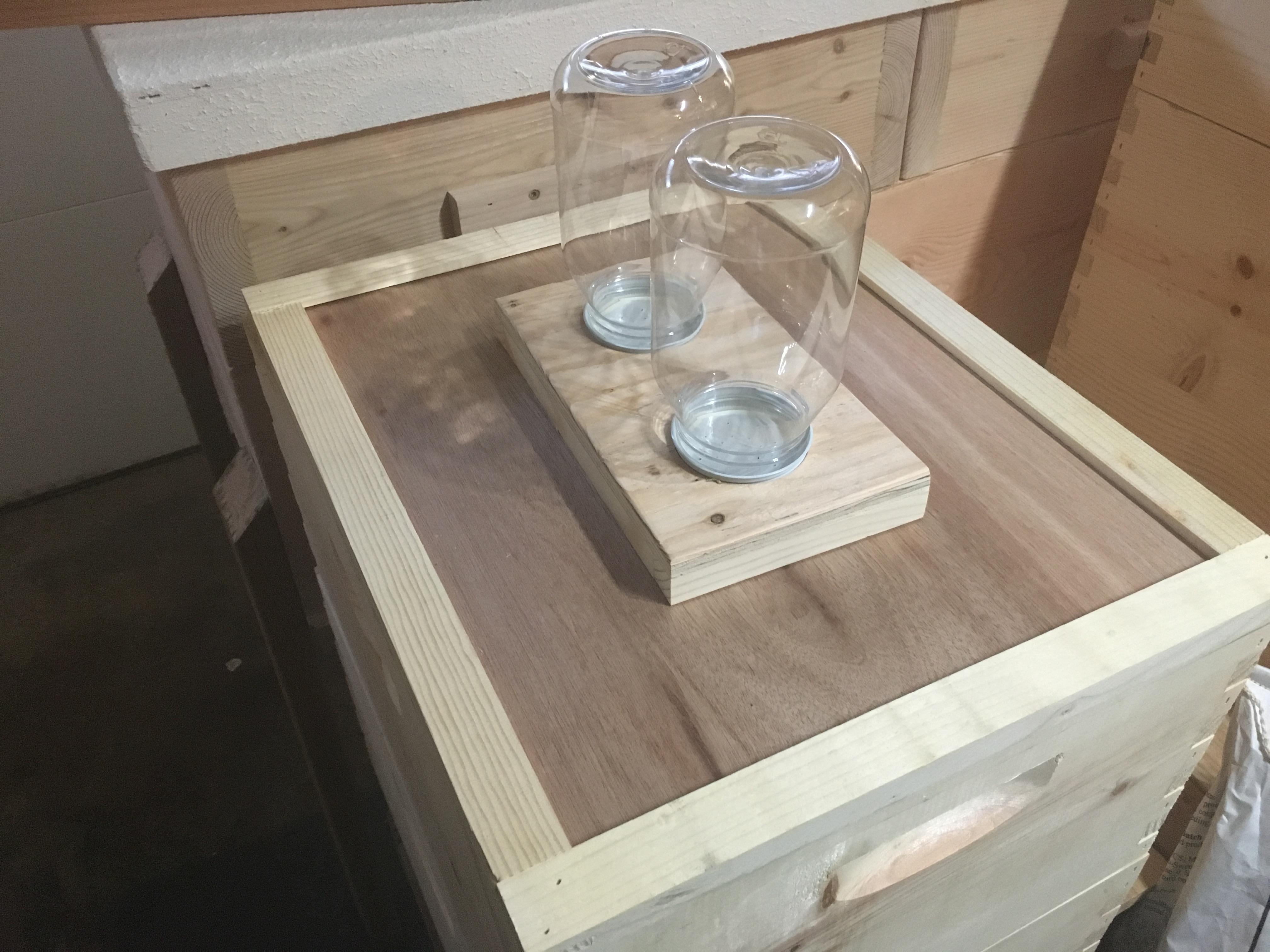 Feeder Top, Double Jar - Woods Bee Co. LLC